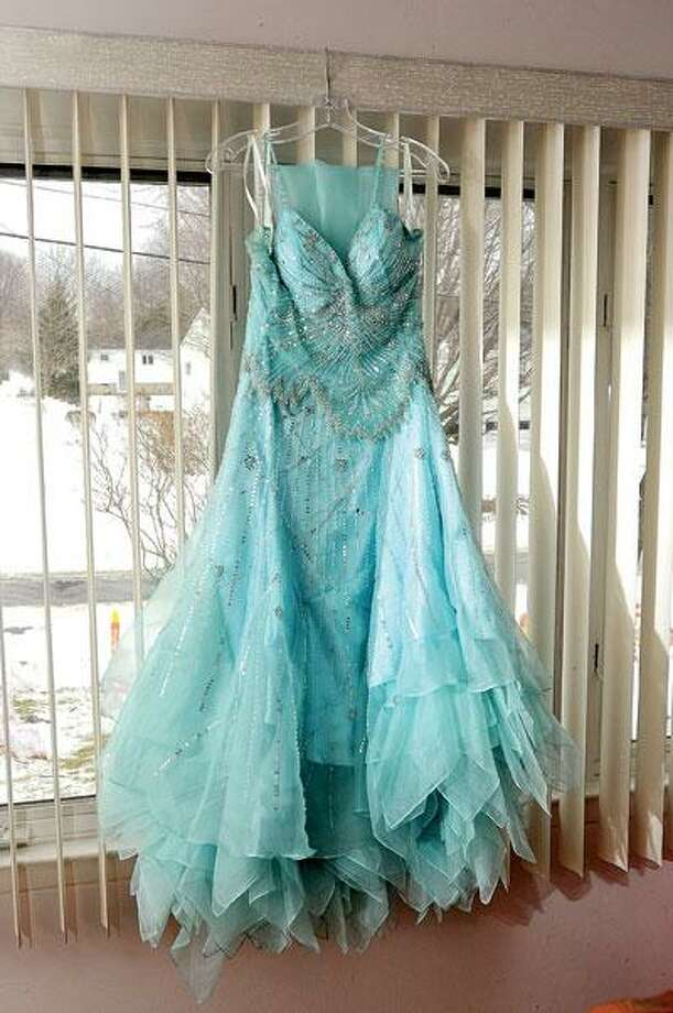 "To donate a prom gown, check out Karoo Kloset at <a href=""http://www.karookloset.org"">www.karookloset.org</a>."