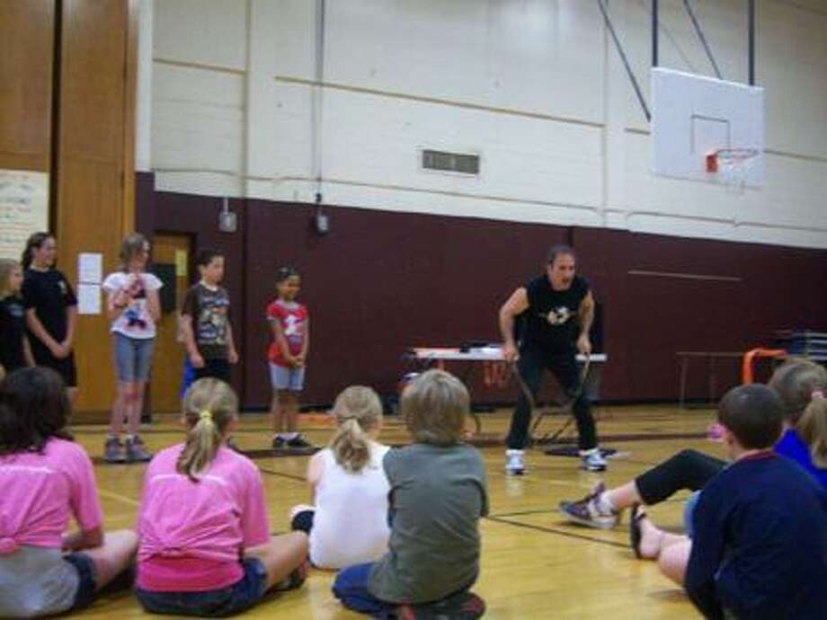 Submitted PhotoMark Rothstein of the national World of Rope Jumping tour visited Canastota High SchoolÕs Laidlaw Gym on May 19 to show young attendees the value of physical fitness.