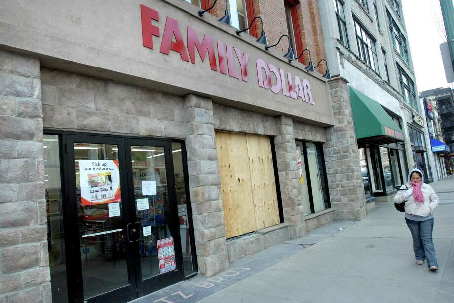 The Family Dollar store on Chapel Street in New Haven as it looked Wednesday, hours after thieves crashed into it. Photo by Arnold Gold