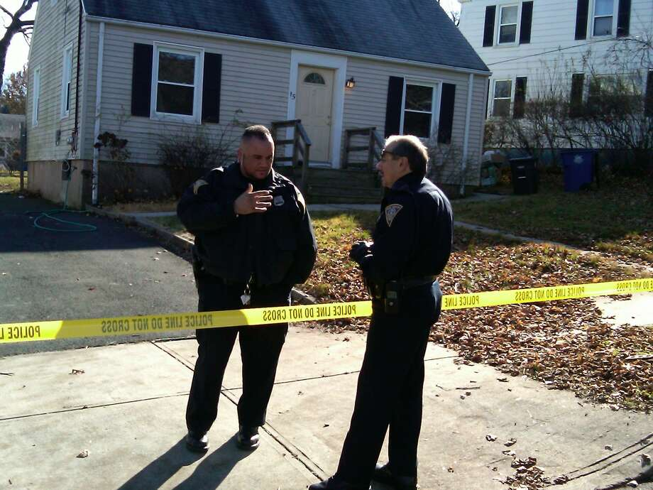 Police outside homicide scene in New Haven  Photo by William Kaempffer