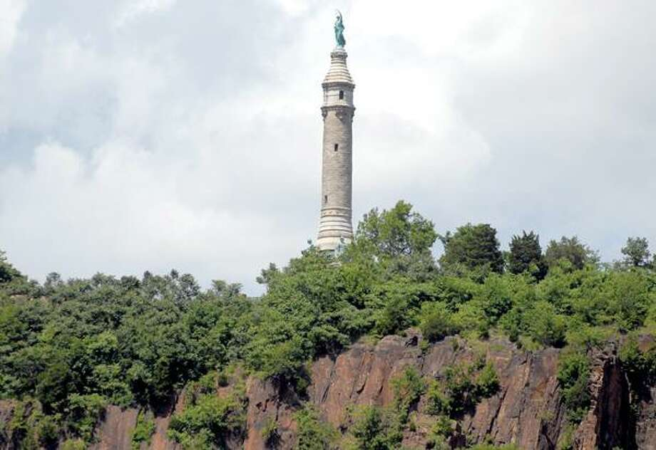 Soldiers' and Sailors' Monument on East Rock
