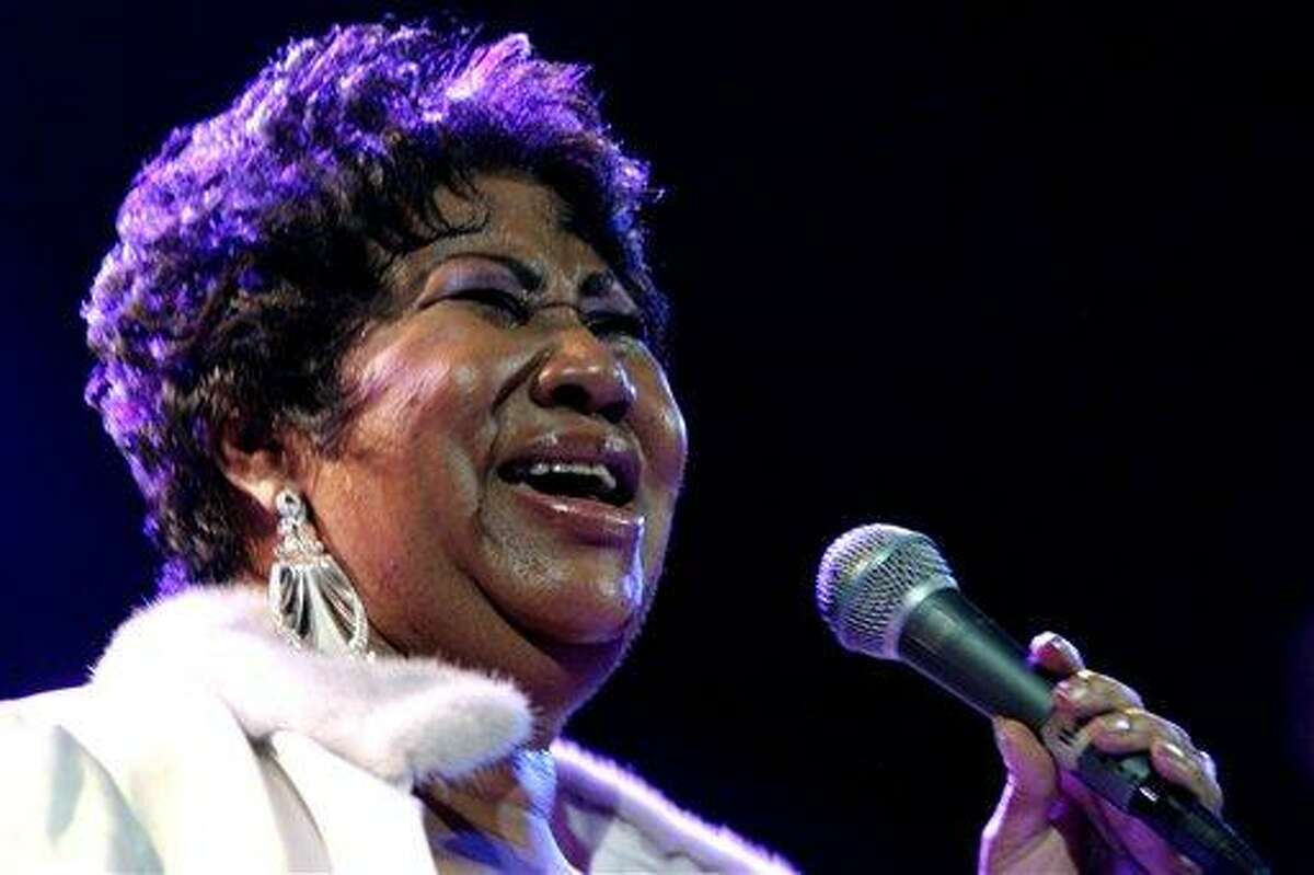 Aretha Franklin performs at the House of Blues in Los Angeles on Nov. 21, 2008.