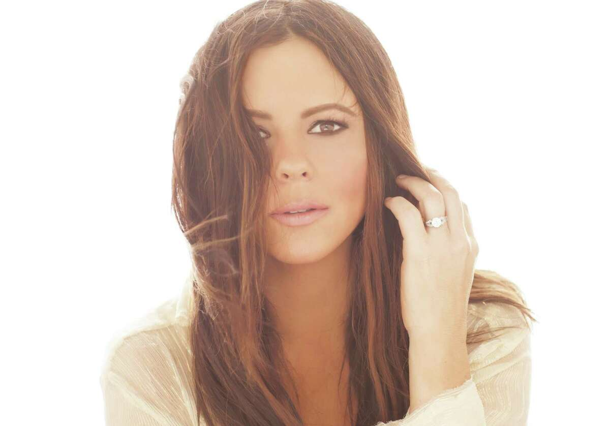 Country singer and songwriter Sara Evans will perform at Ridgefield Playhouse on Thursday, Aug. 3.