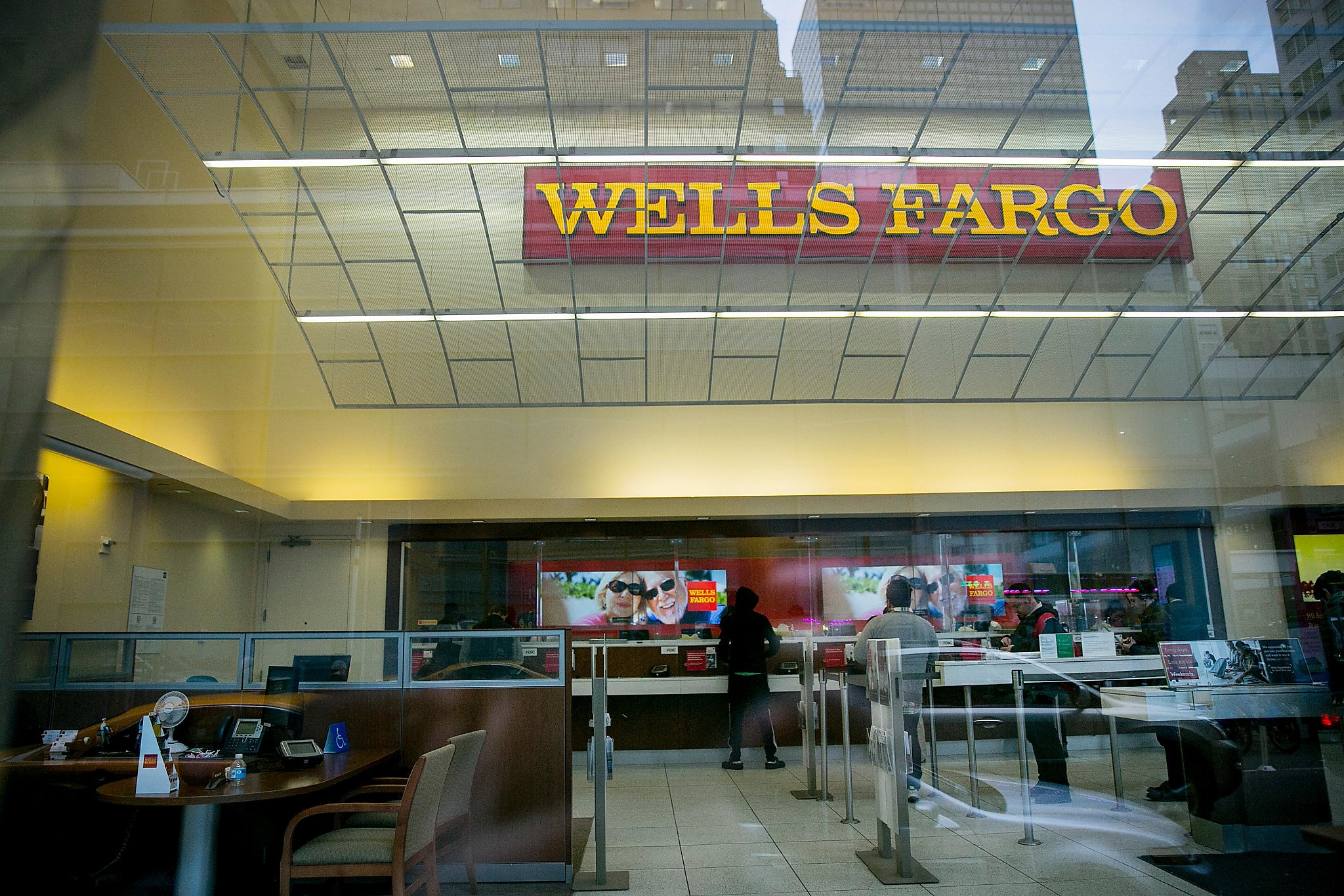 Complete Wells Fargo Store Locator. List of all Wells Fargo locations. Find hours of operation, street address, driving map, and contact information.