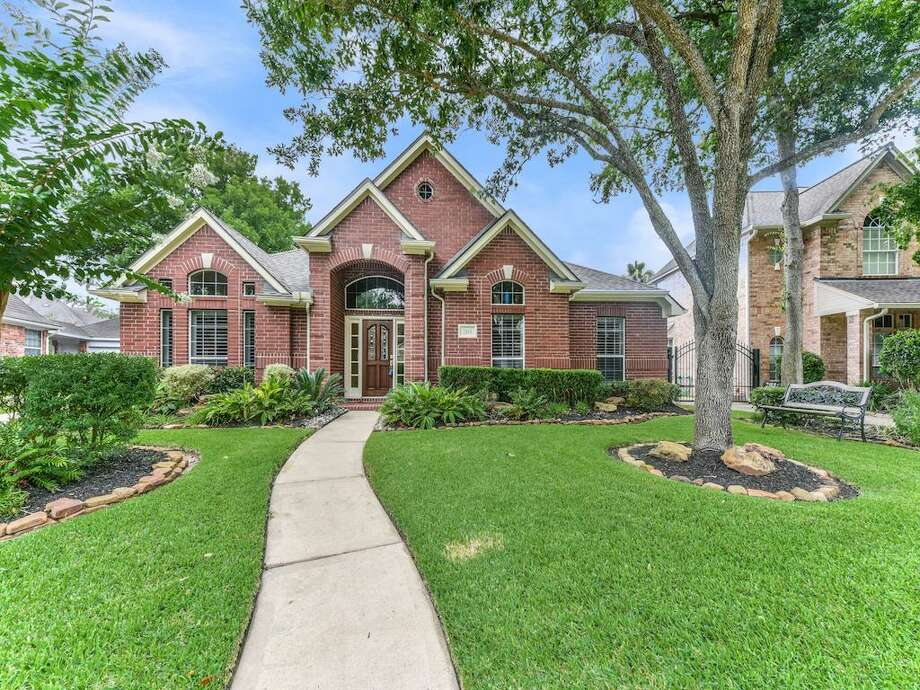SUGAR LAND: 7115 GlenwoodListing price: $310,000Square feet: 2,502Price per square foot: $124 Photo: Houston Association Of Realtors