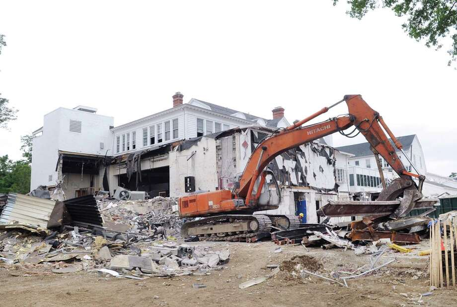 Demolition of the middle school building at Greenwich Country Day School in Greenwich, Conn., Thursday, July 27, 2017. Photo: Bob Luckey Jr. / Hearst Connecticut Media / Greenwich Time