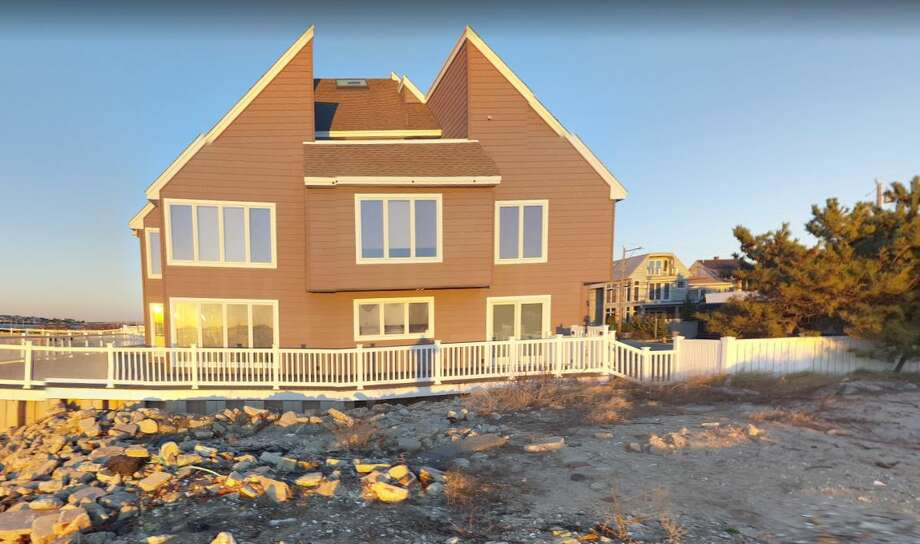 Keep clicking to see the most affordable beach towns in the United States.01 Atlantic City, New JerseyMedian home price: $117,500 Photo: Google Street View