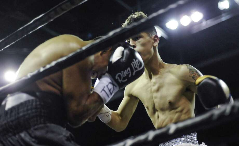 Jorge Ramos won by knockout against Jon Ewer Friday in Fight Fest 15 at Laredo Energy Arena improving to 2-0 in his professional career. Photo: Danny Zaragoza /Laredo Morning Times