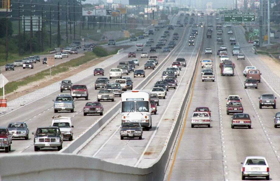 Looking east on I-10 from Addicks, July 14, 1987. Photo: Steve Ueckert, Houston Chronicle