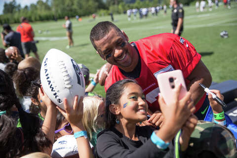 best service 25185 29303 Alaska Airlines to let jersey-wearing Russell Wilson fans ...