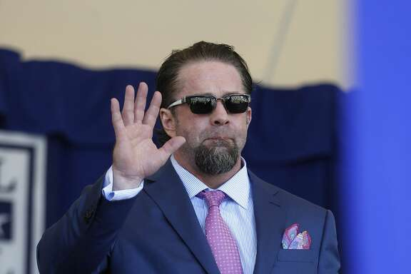 Jeff Bagwell walks out on the stage during the National Baseball Hall of Fame Induction ceremonies, Sunday, July 30, 2017, in Cooperstown. ( Karen Warren / Houston Chronicle )