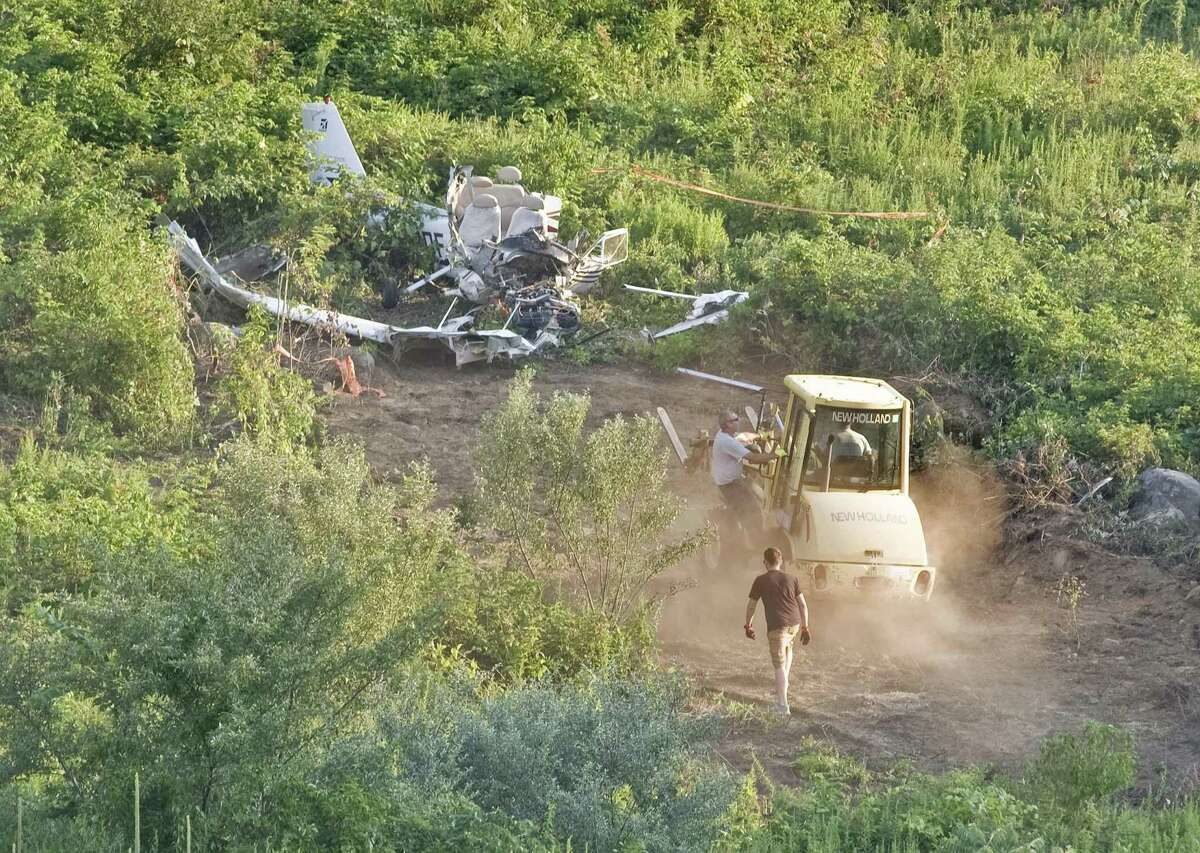 Experienced pilot dies in Danbury plane crash A Cessna Skyhawk single-engine aircraft crashed on a hill behind the Danbury Dog Park on Miry Brook Road after taking off from Danbury Airport in July 2017. Mark Stern, 63, an experienced pilot from Redding, was killed. Stern was