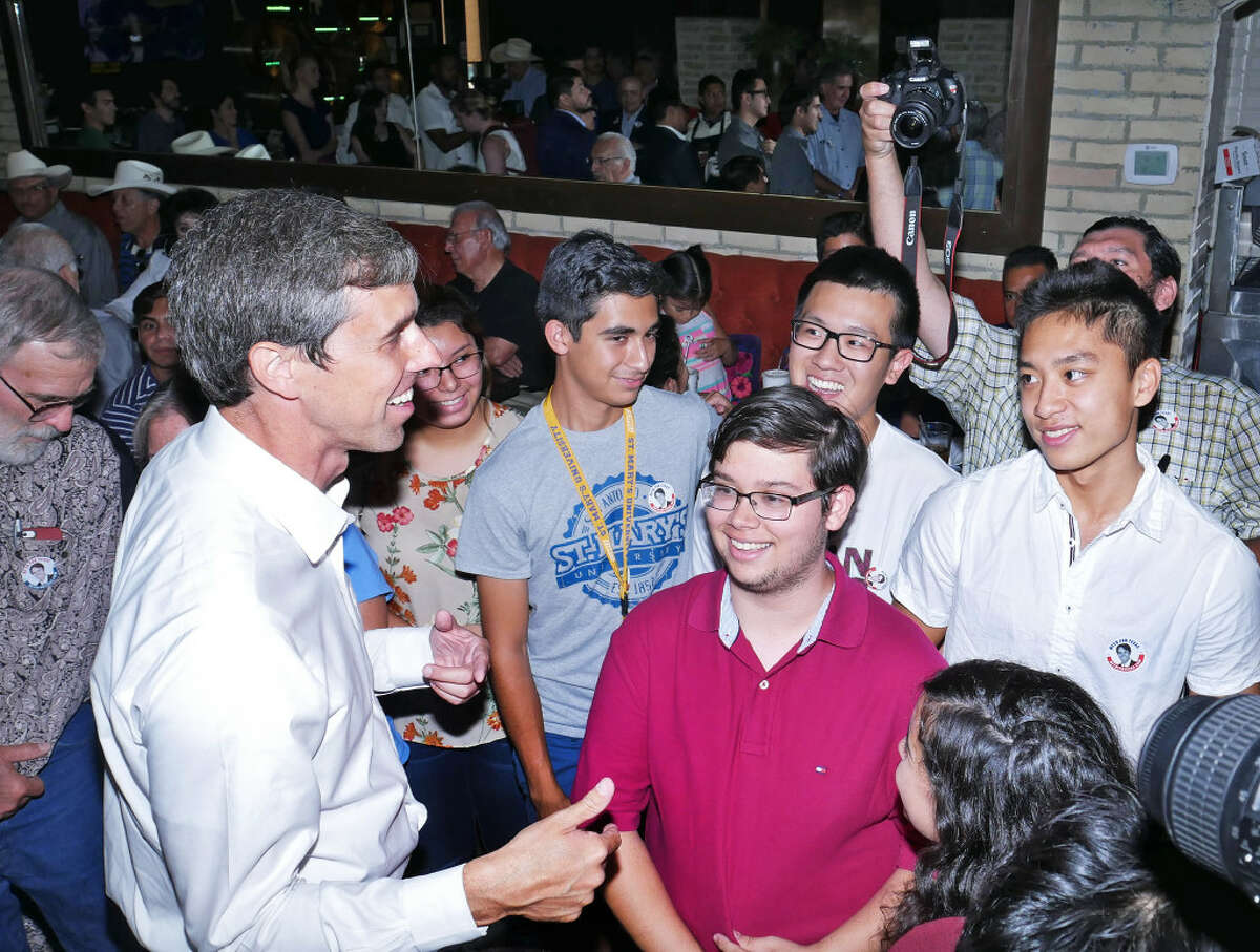 Congressman Beto O'Rourke speaks with a group of young Democrats who recently graduated from united High School as he visited the Gateway City, Monday, July 31, 2017, at the Palenque Grill restaurant on San Bernardo Avenue, to discuss his vision for our State and Nation as he continue with his campaign for U.S. Senator.