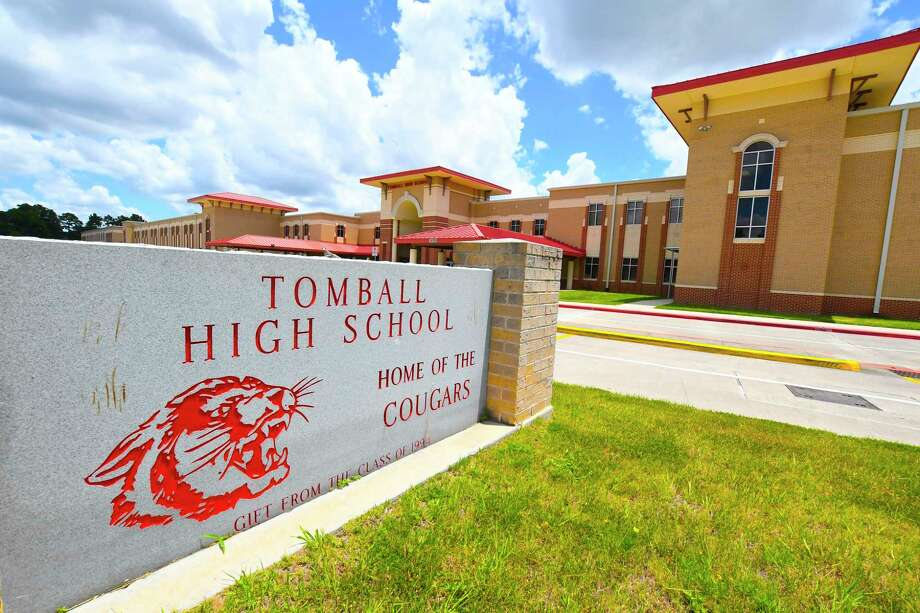 FILE - An undated photograph of Tomball High School. Thursday, a student posted bond after he was charged with threatening to exhibit or use a firearm at school. Photo: Tony Gaines, Photographer