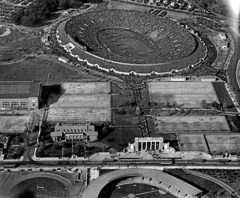Associated Press  A splendid air view of the Yale Bowl on Oct. 24, 1931, showing the stands filled with spectators estimated at 70,000, and the parade across the field that preceded the clash between the Yale and Army elevens that ended in a 6 to 6 tie. Photo: AP / 1931 AP