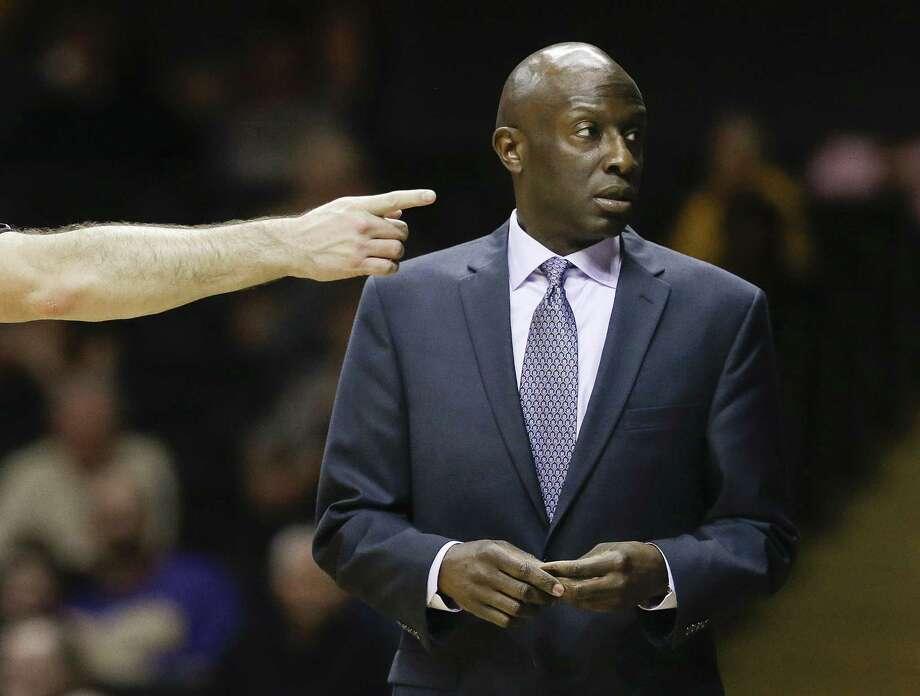 Yale coach James Jones and the Bulldogs beat Harvard on Friday night. Photo: Mark Humphrey — The Associated Press File Photo   / AP