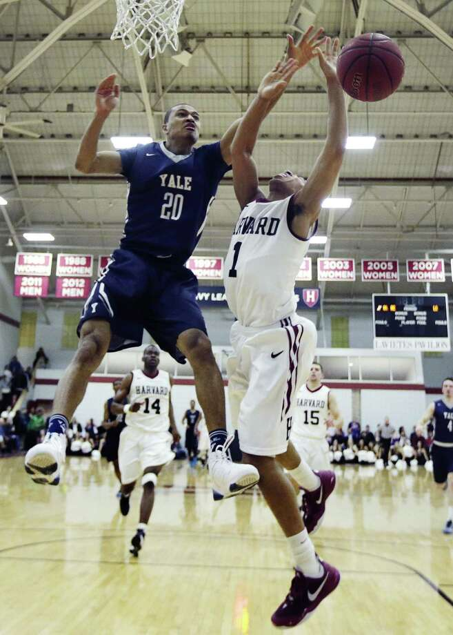 Javier Duren and Yale are taking on Dartmouth on Saturday night. Photo: Charles Krupa — The Associated Press   / AP