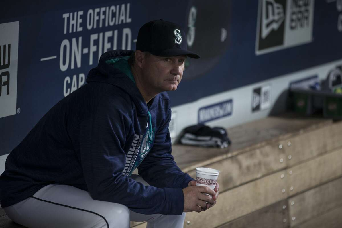 The staff at Yahoo Sports wasn't particularly high on the M's, with three of six panelists forecasting a last-place finish in the division. Mike Oz was the highest on the Mariners, predicting a second-place finish that still leaves Seattle out of the playoffs.