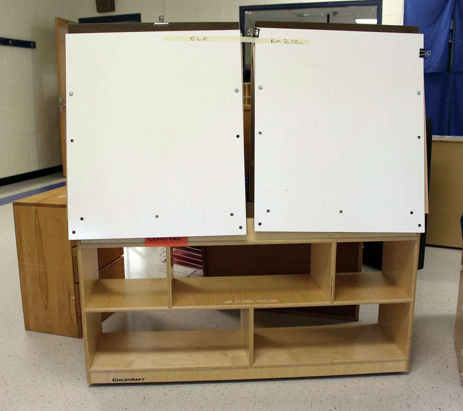 An example of moveable shelving that Ox Ridge Elementary in Darien will be incorporating into their classrooms thanks to a $5,000 approved on July 25. Photo: Erin Kayata / Hearst Connecticut Media / Darien News