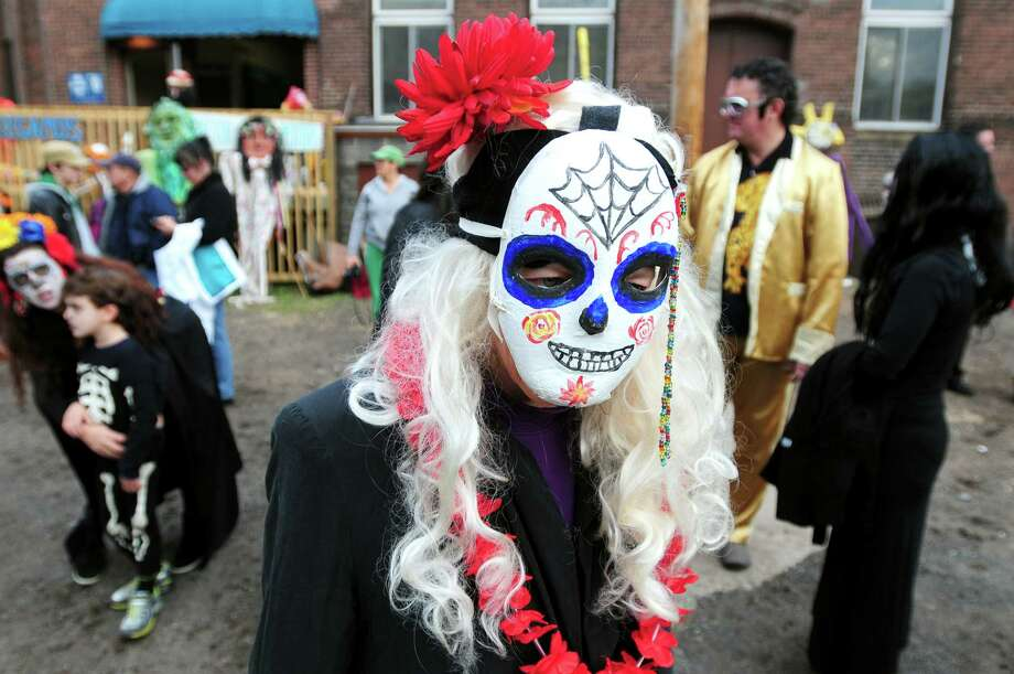 Enjoy a parade, home-cooked food, and and dancing at the Day of the Dead Festival in New Haven on Saturday. Find out more.
