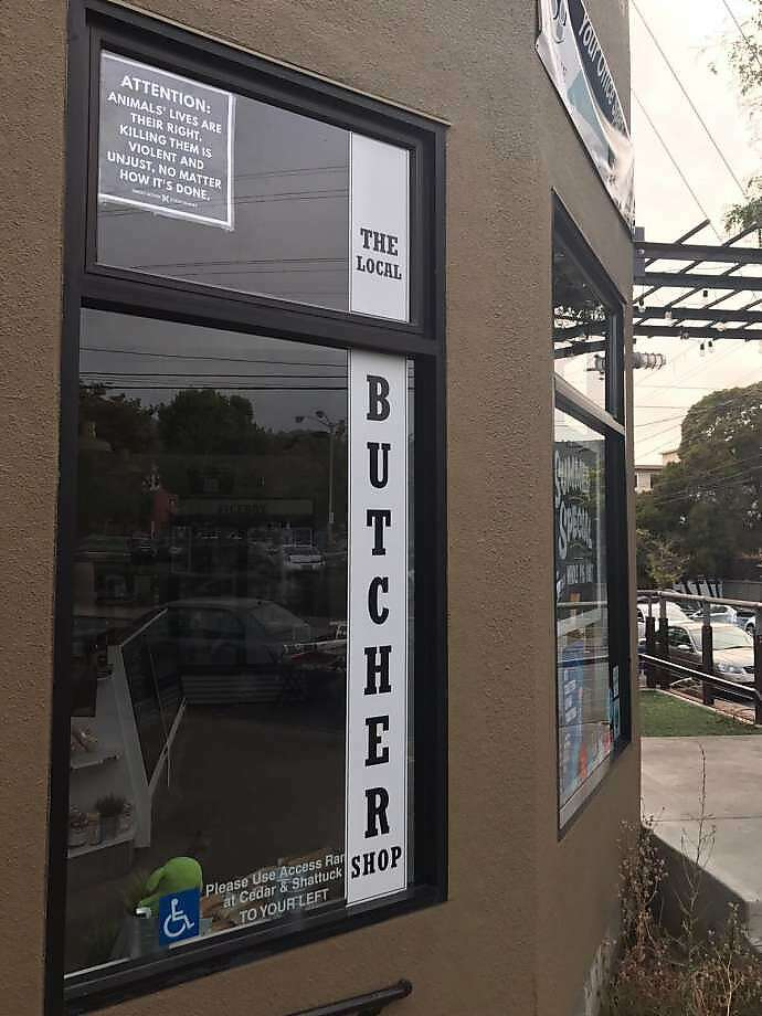 Local Butcher Shop in Berkeley has put up a sign to appease animal rights protestors Photo: Direct Action Everywhere