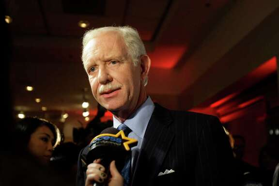 Chesley Sullenberger says privatizing air traffic controls would empower the four biggest airlines.