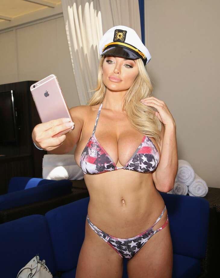 Model Lindsey Pelas takes a selfie at the Sapphire Pool & Day Club on July 3, 2016 in Las Vegas, Nevada.  (Photo by Gabe Ginsberg/Getty Images) Photo: Gabe Ginsberg/Getty Images