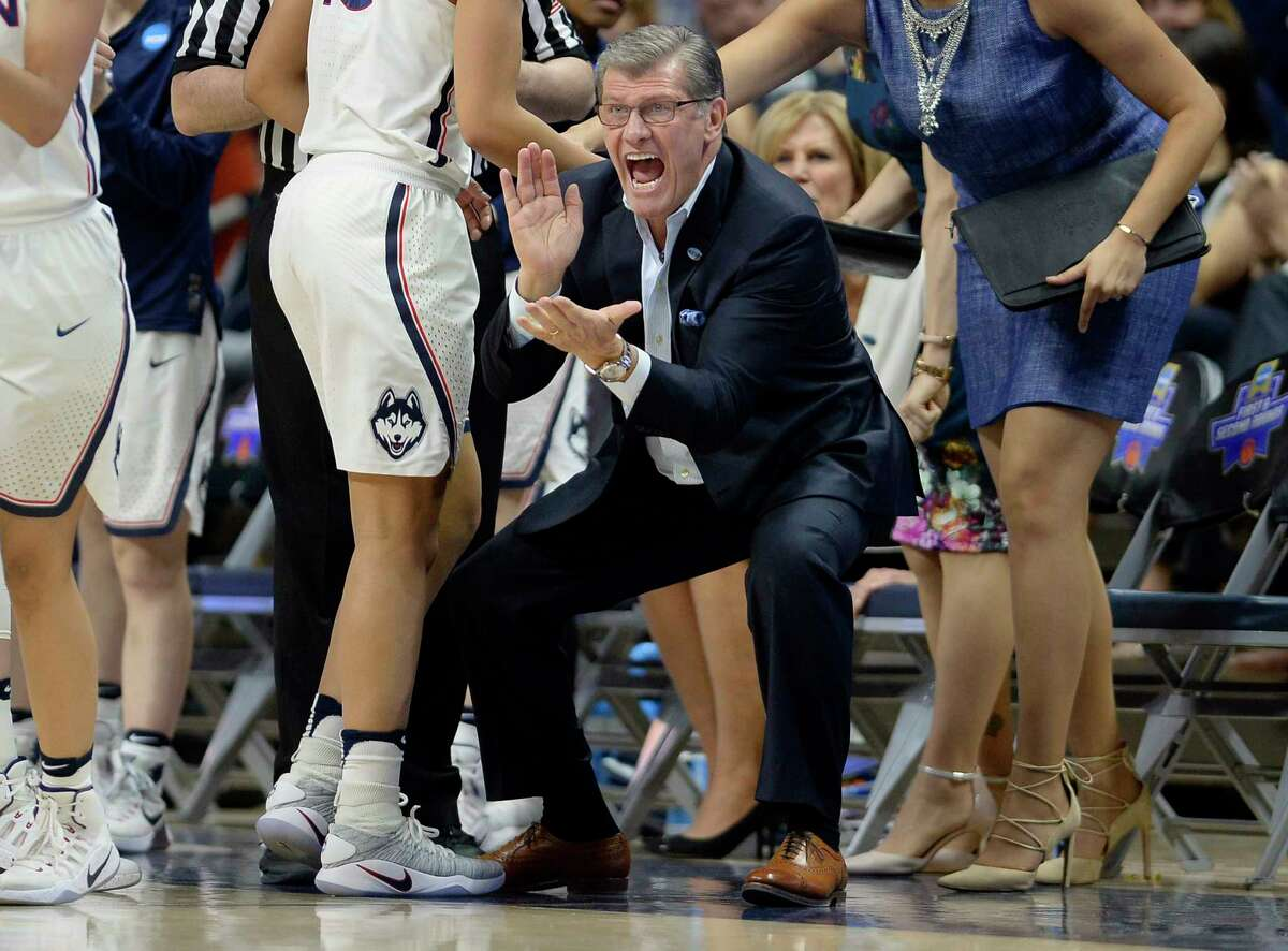 Connecticut coach Geno Auriemma applauds during the first half of the team's second-round game against Syracuse in the NCAA women's college basketball tournament, Monday, March 20, 2017, in Storrs, Conn.