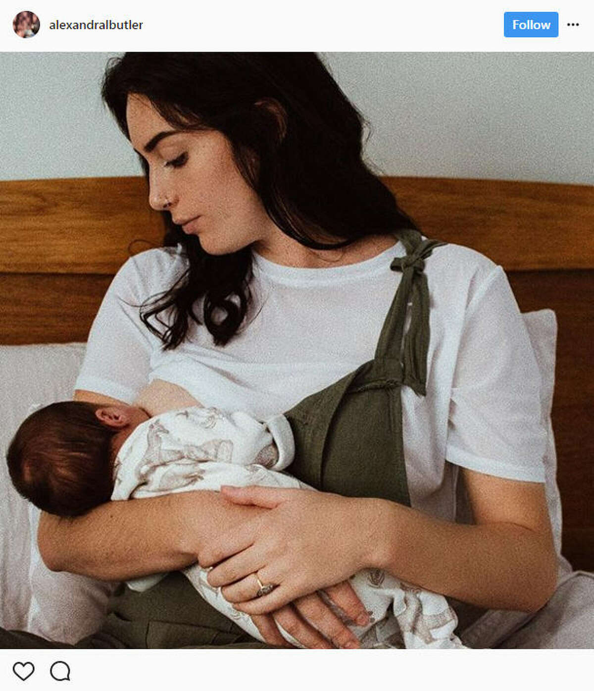 Teenage mother banned by nurses from breastfeeding her 3
