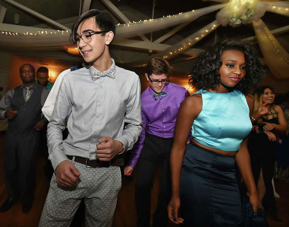 The Engineering and Science University Magnet School senior prom, Thursday, May 19, 2016, at Amarante's Sea Cliff in New Haven. (Catherine Avalone/New Haven Register)