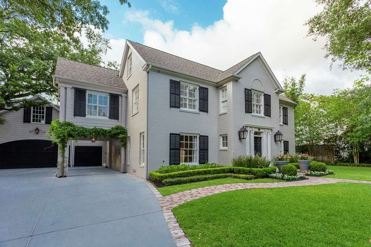 """This Colonial Revival style home at 2112 Brentwood was """"designed by architect Cameron Fairchild for Dr. H.J. Ehlers, a Houston physician who was one of the founders of the Texas Children's Hospital and an original member of the board of governors at the University of Houston."""" >>Click to see other prominent River Oaks listings."""