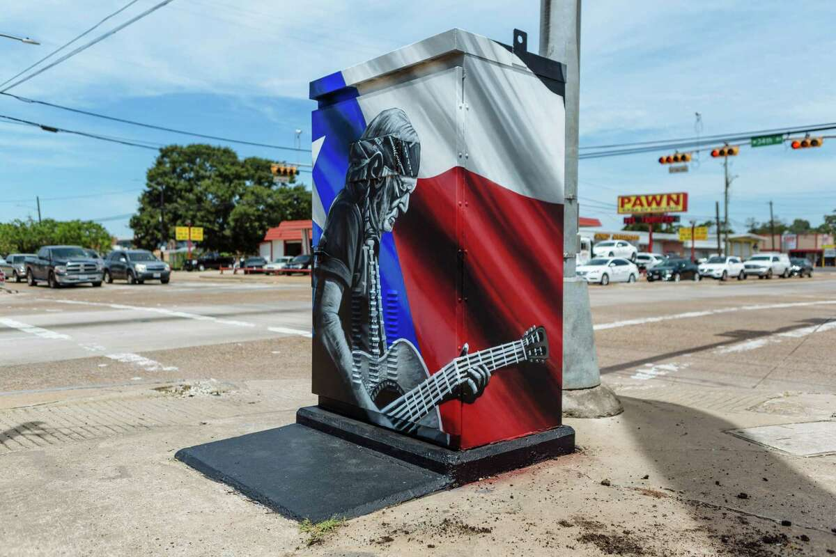 The Willie Nelson mini mural at the corner of Ella and 34th streets, commissioned by real estate developer Chris Hotze, was created by w3r3on3. (For more mini murals, scroll through the slideshow.)