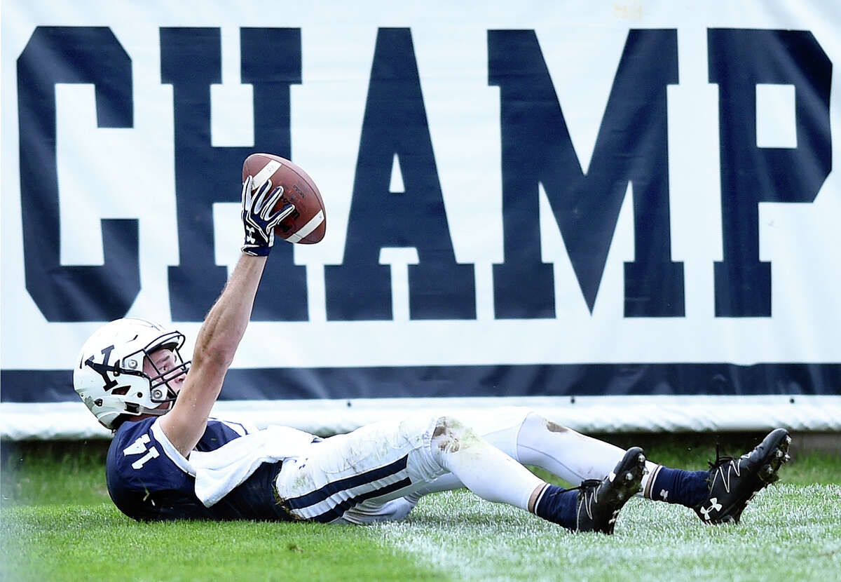 Yale goes up 13-10 with 22 seconds left in the first half after a touch down catch by Reed Klubnik against Dartmouth at the Yale Bowl on 10/8/2016. Photo by Arnold Gold/New Haven Register agold@newhavenregister.com