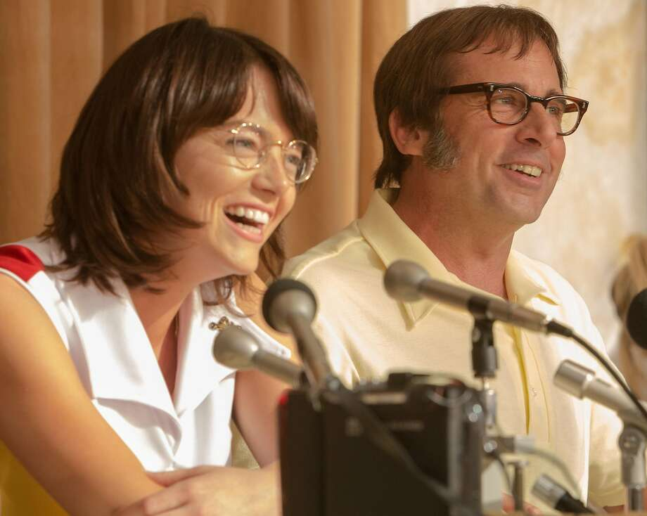 """Emma Stone as """"Billie Jean King"""" and  Steve Carell as """"Bobby Riggs"""" in BATTLE OF THE SEXES. Photo by Melinda Sue Gordon. � 2016 Twentieth Century Fox Film Corporation All Rights Reserved"""