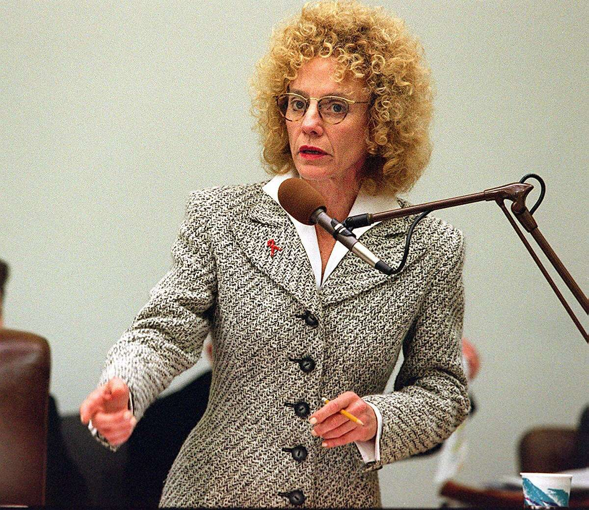MIGDEN/C/29JAN96/CD/CD - SF Supervisor Carole Migden gives a speech on the Domestic Partnership Ceremonies ordinance she sponsored, which allows civil ceremonies to solemnize the existence of domestic partnerships. San Francisco Chronicle photo by Chris Stewart also ran: 4/29/98, 10/27/02