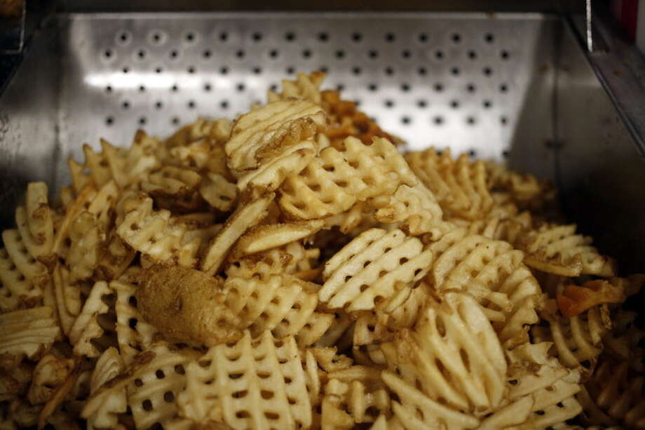 Do you know which fast food chain gives you the most fries?#10 CHICK-FIL-AAmount: 20 fries, Cost: $2.29 Photo: Bloomberg/Bloomberg Via Getty Images