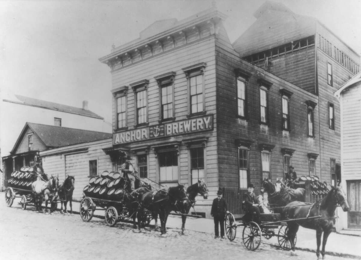 Anchor Brewery on Pacific Avenue between Larkin and Hyde Street in 1906.