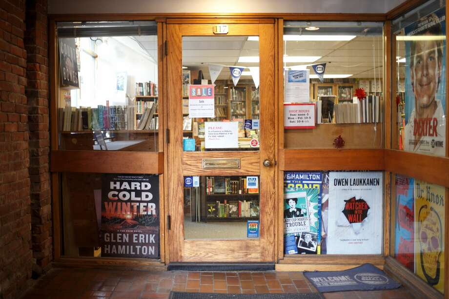 The Seattle Mystery Bookshop closed its doors permanently on Saturday, Sept. 30, 2017. Photo: GRANT HINDSLEY/SEATTLEPI.COM
