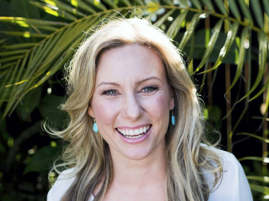 Stephen Govel/www.stephengovel.com via AP  This undated photo provided by Stephen Govel/www.stephengovel.com shows Justine Damond, of Sydney, Australia, who was fatally shot by police in Minneapolis on July 15, 2017. Authorities say that officers were responding to a 911 call about a possible assault when the woman was shot. Photo: AP / Stephen Govel / www.stephengovel.com