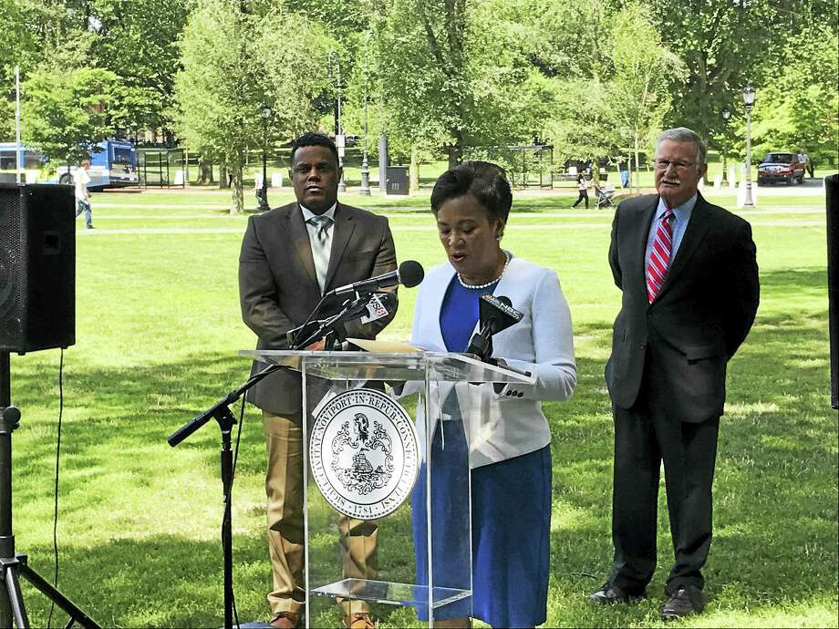 Mayor Toni Harp Thursday announces free Wi-Fi on the New Haven Green. Photo: Jessica Lerner / HEARST CONNECTICUT MEDIA