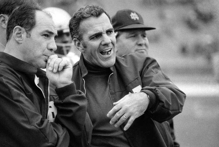 FILE - In this Oct. 31, 1970, file photo, Navy head coach Rick Forzano, left, and Notre Dame head coach Ara Parseghian talk on the sideline during a football game in Philadelphia. Notre Dame defeated Navy 56-7. Parseghian died Wednesday, Aug. 2, 2017, at his home in Granger, Ind. he was 94. (AP Photo/File) ORG XMIT: NY155 Photo: Anonymous / AP1970