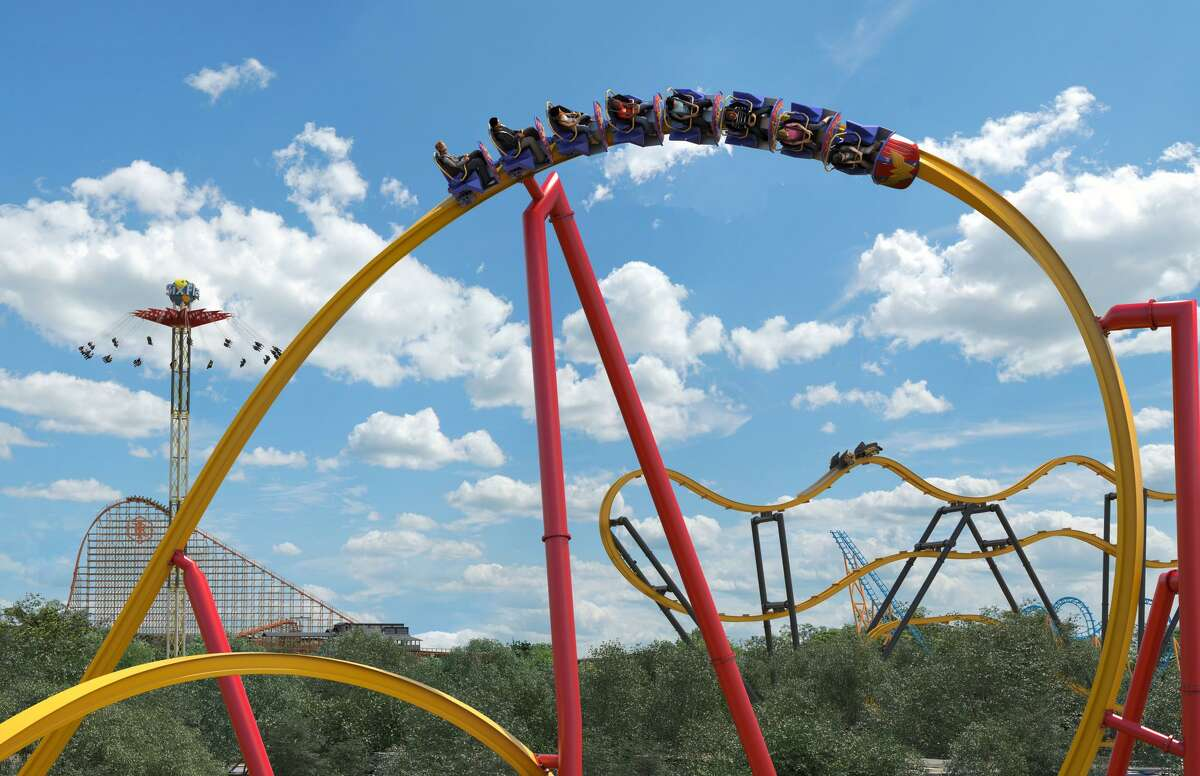 Six Flags Fiesta Texas planned to open the Wonder Woman Golden Lasso Coaster in mid-March 2018. The theme park now is looking to open the ride
