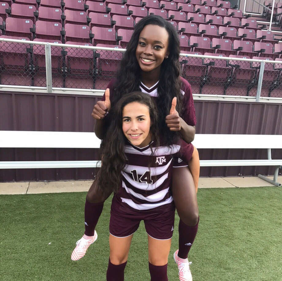 Rheagen Smith, Emmitt Smith's daughter, is a freshman on the Texas A&M soccer team. Photo: Twitter.com/EmmittSmith22