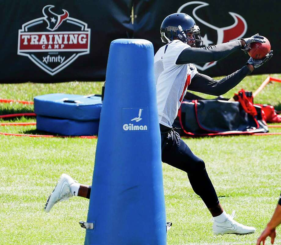 Houston Texans wide receiver Jaelen Strong makes a catch while running a drill during training camp at the Greenbrier on Thursday, Aug. 3, 2017, in White Sulphur Springs, W.Va. Photo: Houston Chronicle / © 2017 Houston Chronicle}