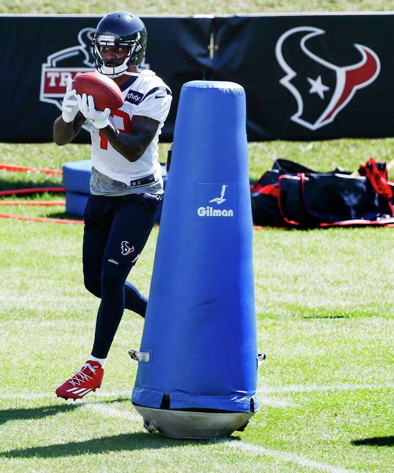 Houston Texans wide receiver Braxton Miller makes a catch while running a drill during training camp at the Greenbrier on Thursday, Aug. 3, 2017, in White Sulphur Springs, W.Va. Photo: Houston Chronicle / © 2017 Houston Chronicle}