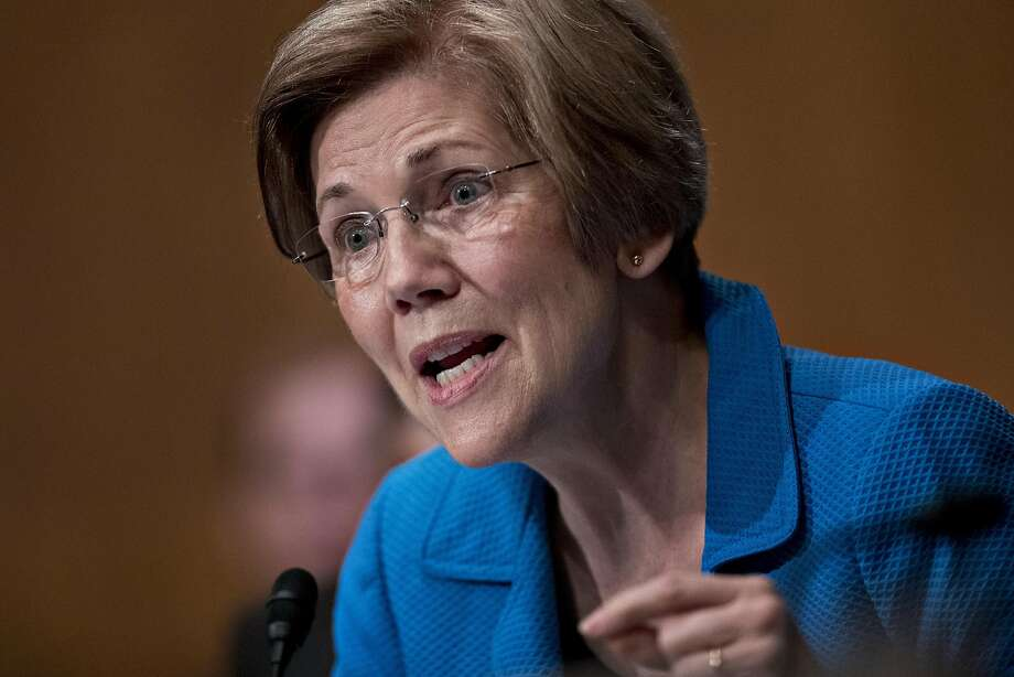 Senator Elizabeth Warren, a Democrat from Massachusetts, questions Janet Yellen, chair of the U.S. Federal Reserve, not pictured, during a Senate Banking Committee hearing in Washington, D.C., U.S., on Thursday, July 13, 2017. Photo: Andrew Harrer, Bloomberg