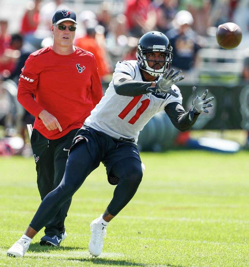 Texans lose WR Fuller to broken collarbone