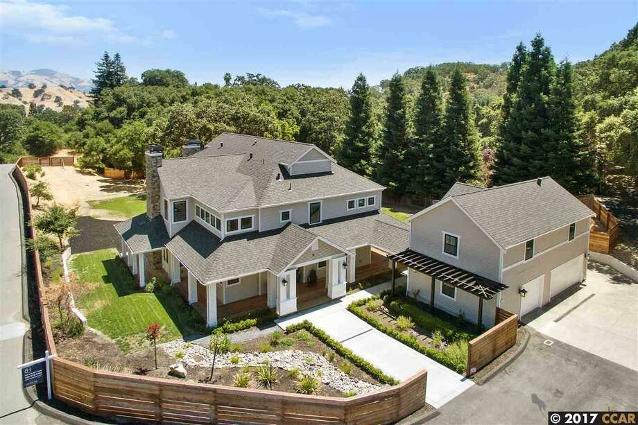 SF Giants first baseman Brandon Belt is selling his five-bedroom, five-bathroom home in Alamo, Calif., for $3.65 million. Photo: Open Homes Photography