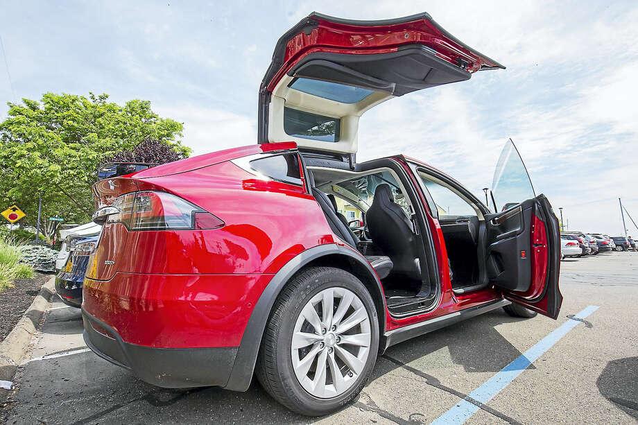 Gull Wing Doors Are Perhaps The Tesla S Most Obvious Unique Feature Photo Derek Torrellas
