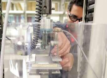 Huntsman spinoff Venator Materials goes public with $454M